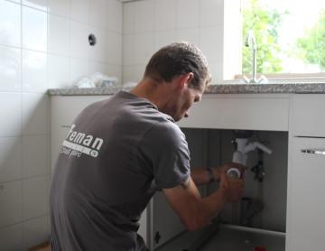 Aanleg en renovatie van keukens, badkamers en toiletten