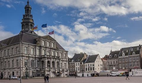 Gunning renovatie Stadhuis Maastricht aan Breman Maasland
