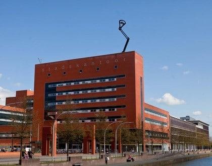 zwolle-Referntieproject_Stadskantoor_Zwolle_zijkant_gebouw