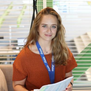 Janine Veelen